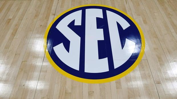 SEC logo.