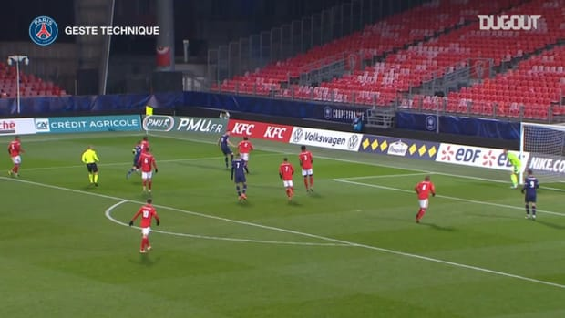 Ander Herrera and Marco Verratti's stunning skill against Brest