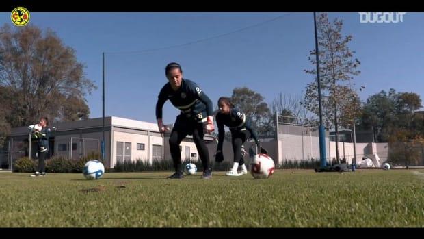 América Femenil goalkeepers train their reflexes