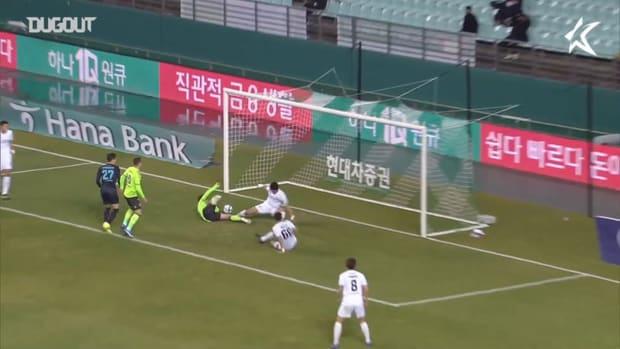 Jeonbuk 3-2 Daegu: Iljutcenko brace fires Jeonbuk top