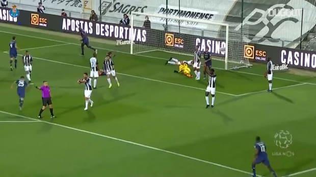 Sérgio Oliveira's free-kick secures FC Porto win vs Portimonense