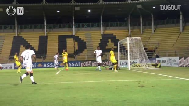 Corinthians beat São Bento at Raulino de Oliveira