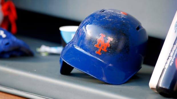 A Mets helmet.