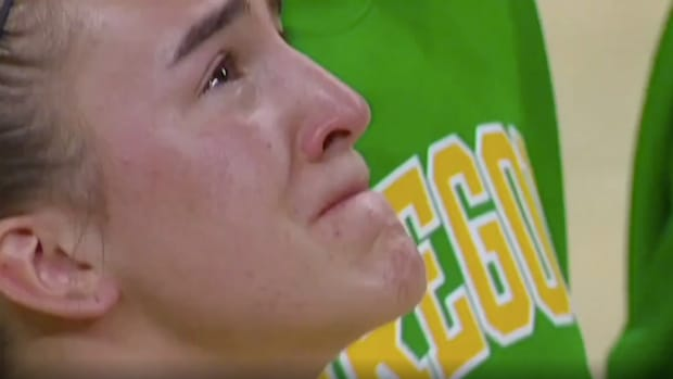 Sabrina Ionescu mourns the loss of Kobe Bryant before a game against Oregon State.
