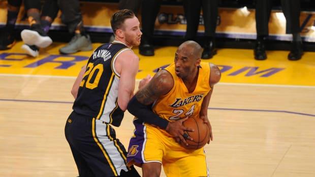 Jazz's Gordon Hayward guards Lakers' Kobe Bryant in 2016 60-point game