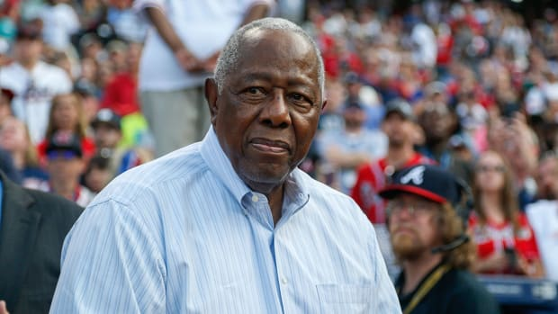hank-aaron-astros-banned-sign-stealing