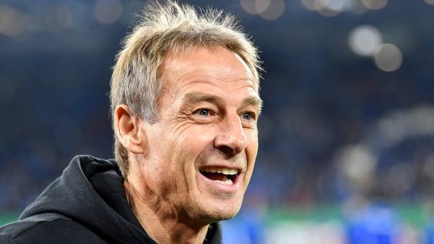Jurgen Klinsmann quit Hertha Berlin