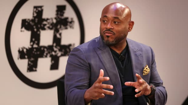 New York Knicks brand consultant Steve Stoute speaks at a conference