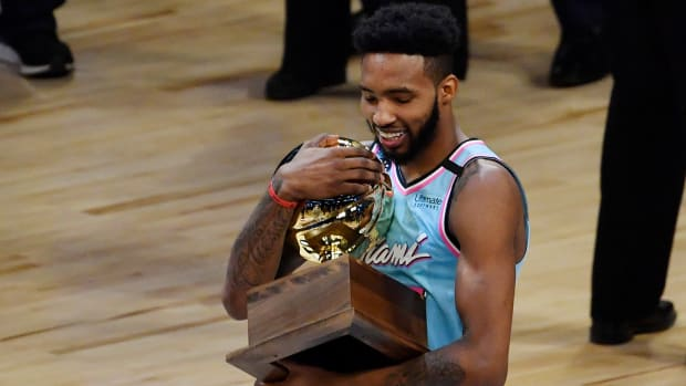 derrick-jones-jr-dunk contest-champion