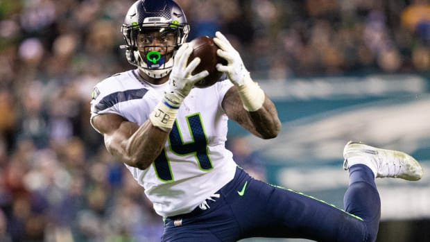 Seattle Seahawks wide receiver D.K. Metcalf (14) makes a touchdown catch against the Philadelphia Eagles during the third quarter in a NFC Wild Card playoff football game at Lincoln Financial Field.