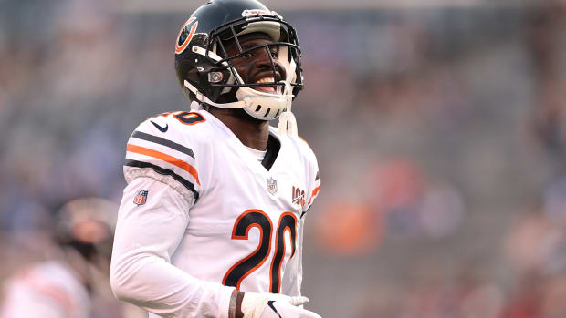 Chicago Bears cornerback Prince Amukamara (20) warms up before his game against the New York Giants at MetLife Stadium.