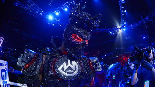 Deontay Wilder walks to the ring for his fight vs. Tyson Fury in an elaborate steel costume