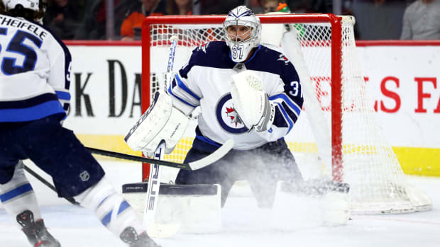 Connor-Hellebuyck-jets-hart-candidate