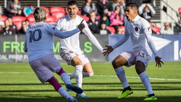 Rodolfo Pizarro scores the first goal in Inter Miami history