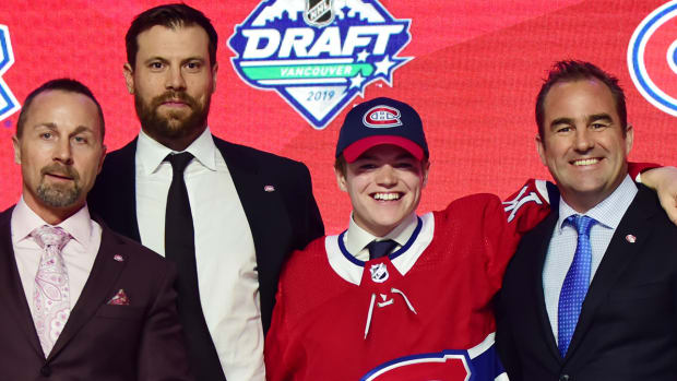 Cole Caufield has to decide if he's ready to leave Wisconsin and join the Canadiens.