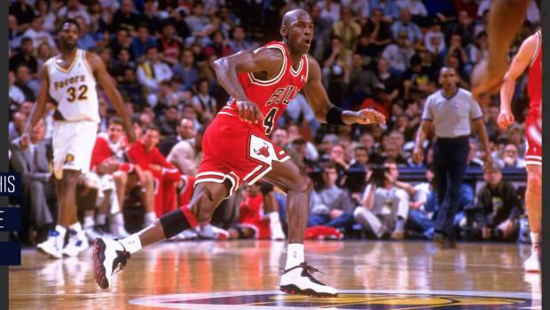 This Day in Sports History: Michael Jordan Returns