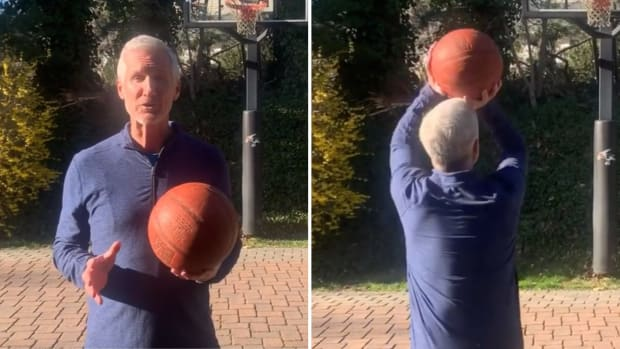 NBA announcer Mike Breen delivers a coronavirus safety message in his driveway