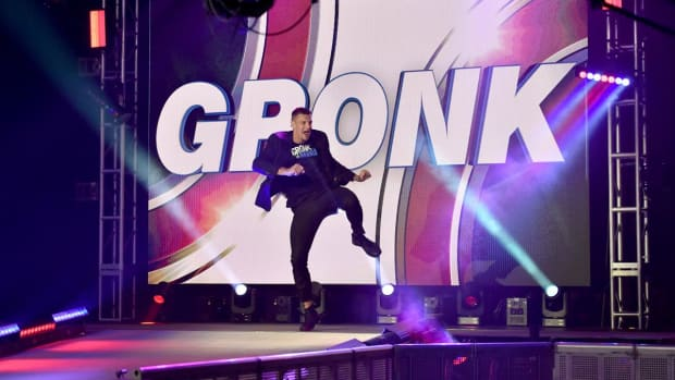 Rob Gronkowski makes his entrance in his WWE SmackDown debut