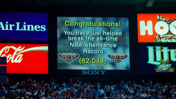 This Day in Sports History: The Largest Crowd in NBA History