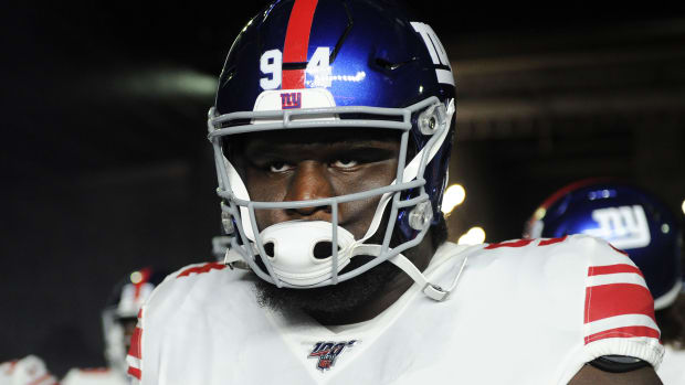 Oct 10, 2019; Foxborough, MA, USA; New York Giants defensive end Dalvin Tomlinson (94) prepares to run onto the field before a game against the New England Patriots at Gillette Stadium.