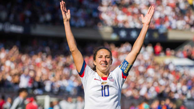 Carli-Lloyd-USWNT-Podcast-Arms-Up