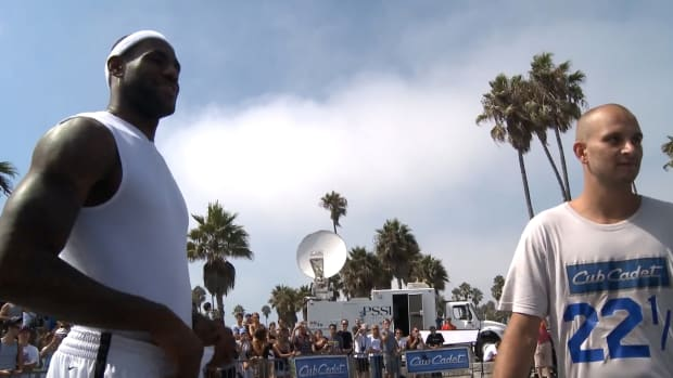 LeBron James competing in HORSE with fan David Kalb