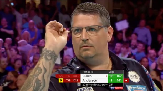 Screenshot of professional darts player Gary Anderson in competition