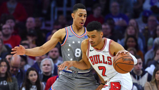 76ers' Zhaire Smith guarding a member of the Chicago Bulls.