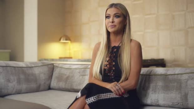 Carmen Electra sits down during 'The Last Dance' documentary on the 1997-98 Chicago Bulls.