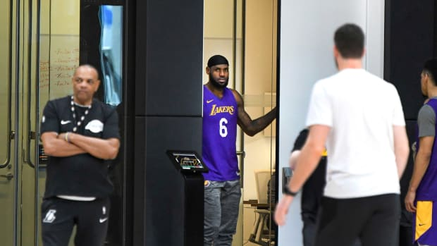 lebron-james-lakers-practice