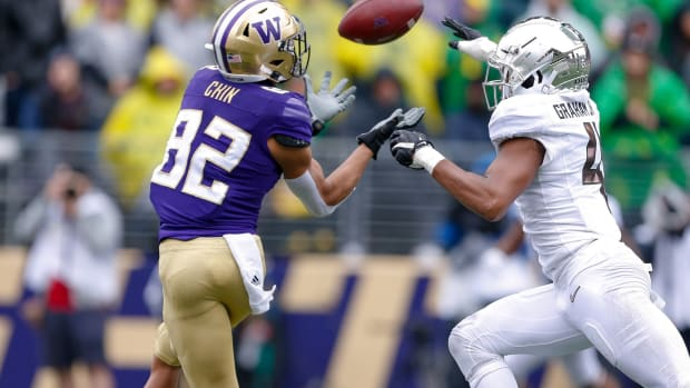 Jordan Chin got behind the Oregon secondary to haul in this touchdown pass.