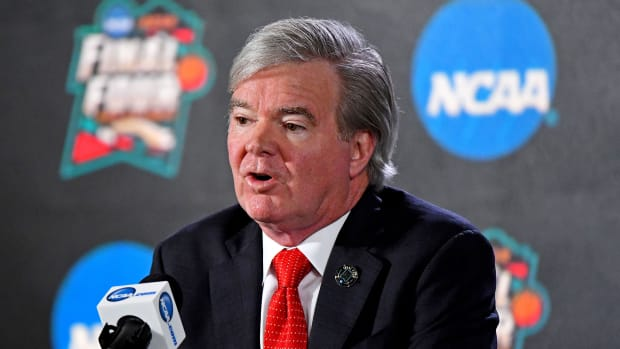 ncaa-athlete-payment-mark-emmert