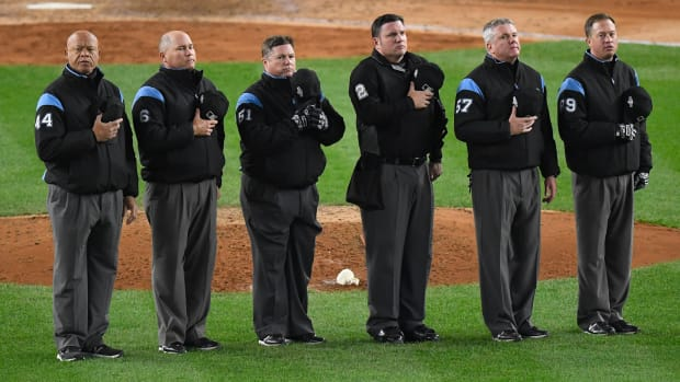 umpire thumb