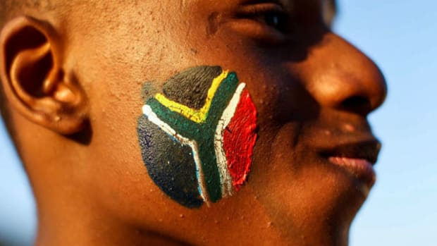 south-africa-face-paint-2010-world-cup