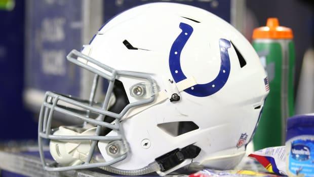 Colts Helmet Thumb