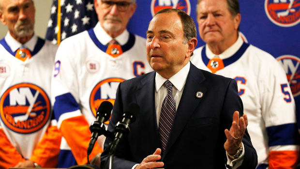 NHL commissioner Gary Bettman said he is not thinking of cancelling the current season.