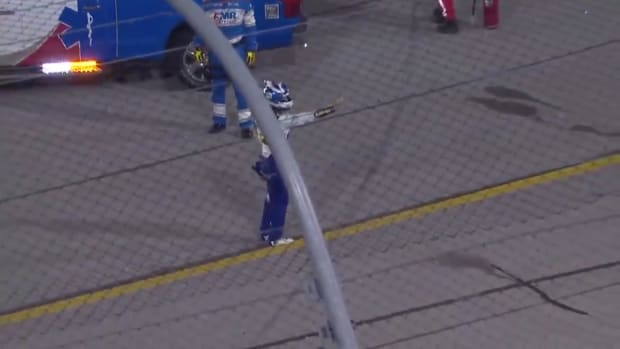 NASCAR driver Chase Elliott gives Kyle Busch the middle finger after a wreck at Darlington