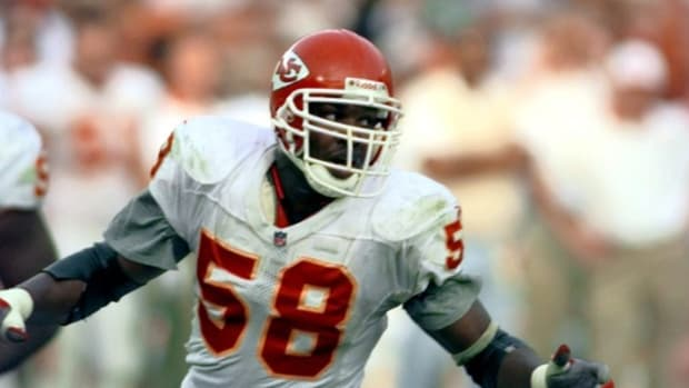 86. Derrick Thomas -- LB, Kansas City Chiefs (1989-1999). Xxx C Decade Thomas S Fbn Ca © ROBERT HANASHIRO, USA TODAY, USA TODAY via Imagn Content Services, LLC
