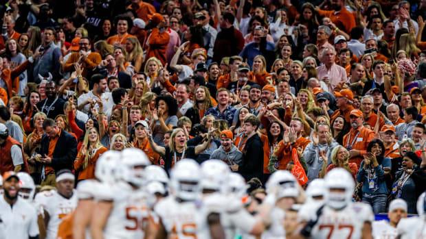 Texas Fan Broll 53