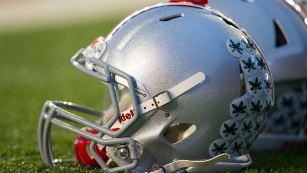 Ohio-State-Buckeyes-Helmet-2