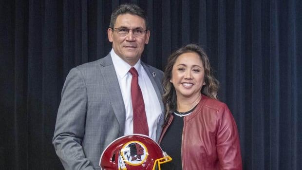Ron & Stephanie Rivera © Brad Mills-USA TODAY Sports