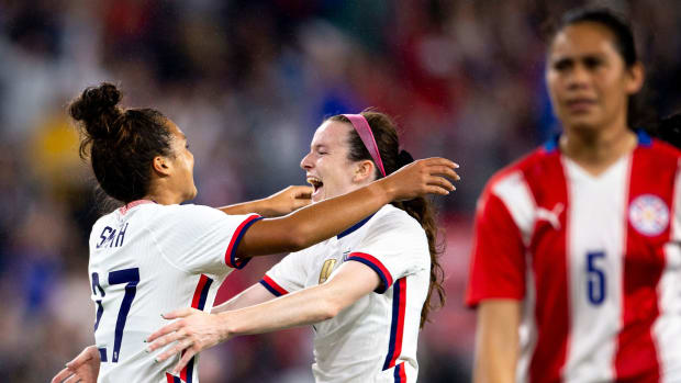 Rose Lavelle scores in the USWNT's rout of Paraguay