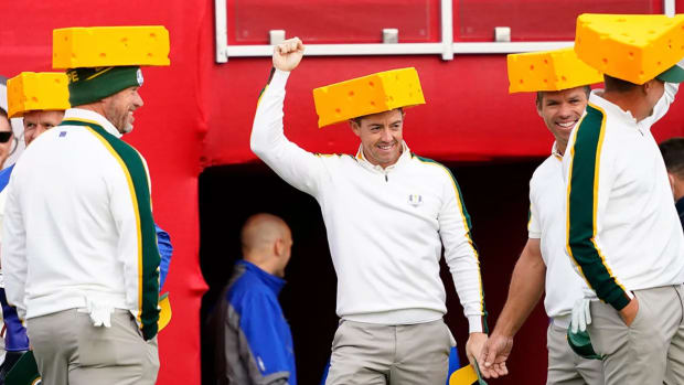 rory-mcilroy-cheesehead-ryder-cup