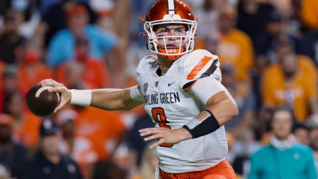 Sep 2, 2021; Knoxville, Tennessee, USA; Bowling Green Falcons quarterback Matt McDonald (3) passes the ball against the Tennessee Volunteers during the first quarter at Neyland Stadium. Mandatory Credit: Randy Sartin-USA TODAY Sports