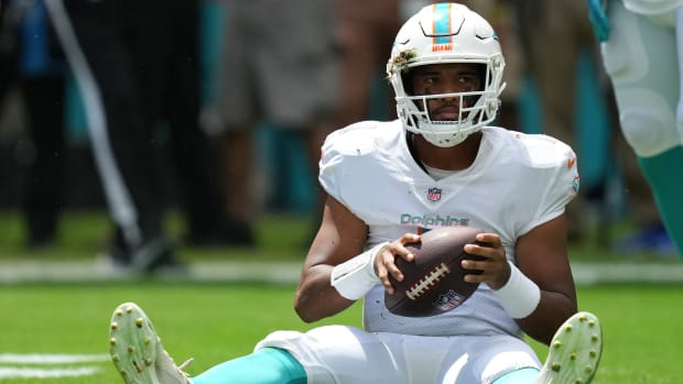 Dolphins quarterback Tua Tagovailoa