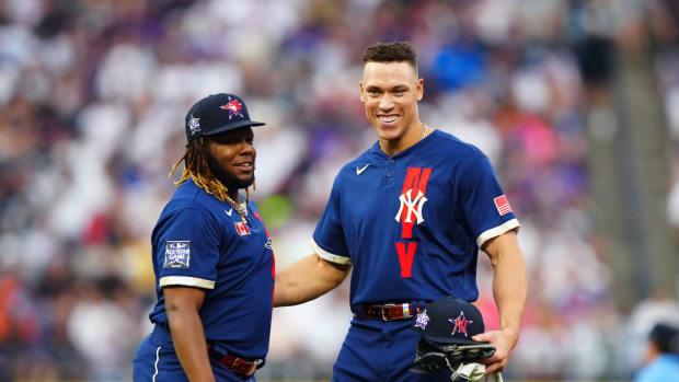 Yankees Aaron Judge with Blue Jays Vladimir Guerrero Jr.