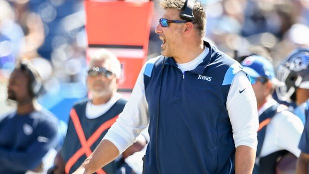 Tennessee Titans head coach Mike Vrabel challenges a play during the third quarter at Nissan Stadium Sunday, Sept. 26, 2021 in Nashville, Tenn.  Gw57294