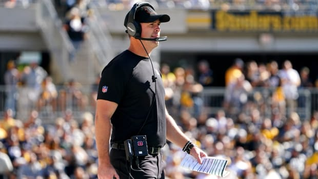 Cincinnati Bengals head coach Zac Taylor observes the game in the fourth quarter during a Week 3 NFL football game against the Pittsburgh Steelers, Sunday, Sept. 26, 2021, at Heinz Field in Pittsburgh.  Cincinnati Bengals At Pittsburgh Steelers Sept 26