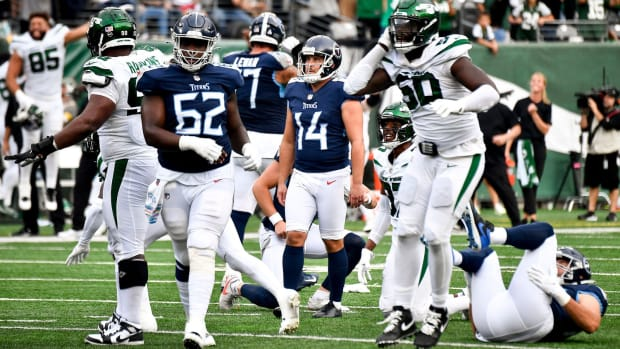 Tennessee Titans kicker Randy Bullock (14) watches as he misses a field goal in overtime as the Titans lose to the Jets at MetLife Stadium Sunday, Oct. 3, 2021 in East Rutherford, N.J.