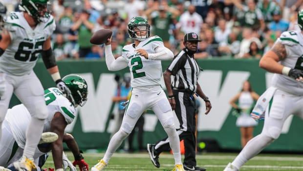 Jets QB Zach Wilson throws pass